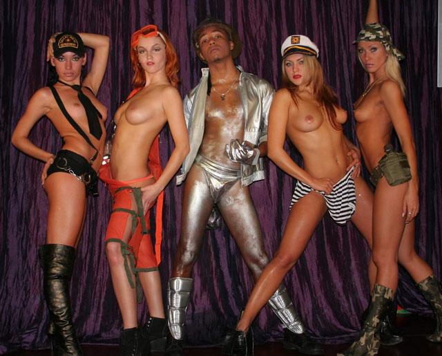Смотреть эротический танцевальный клип — photo 14